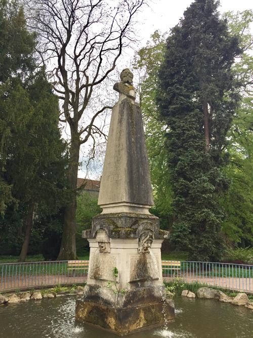 Ville de Nancy - Statue du jardin Godron
