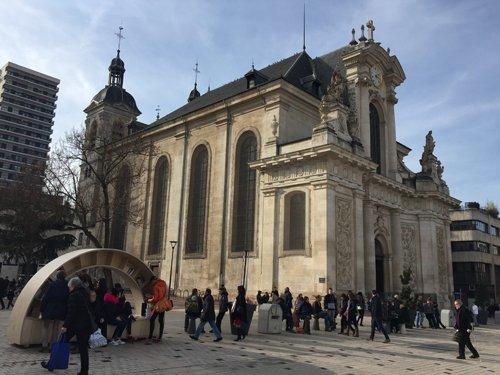 Ville de Nancy - Bibliothèque à ciel ouvert Place Charles III