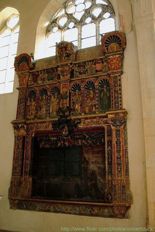 Ville de Nancy Eglise des Cordeliers, enfeu du monument funéraire de René II