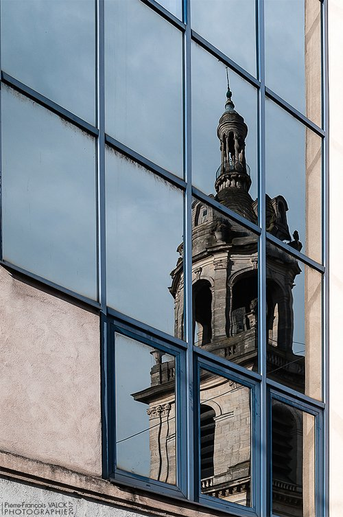 Ville de Nancy - Reflet de la cathédrale