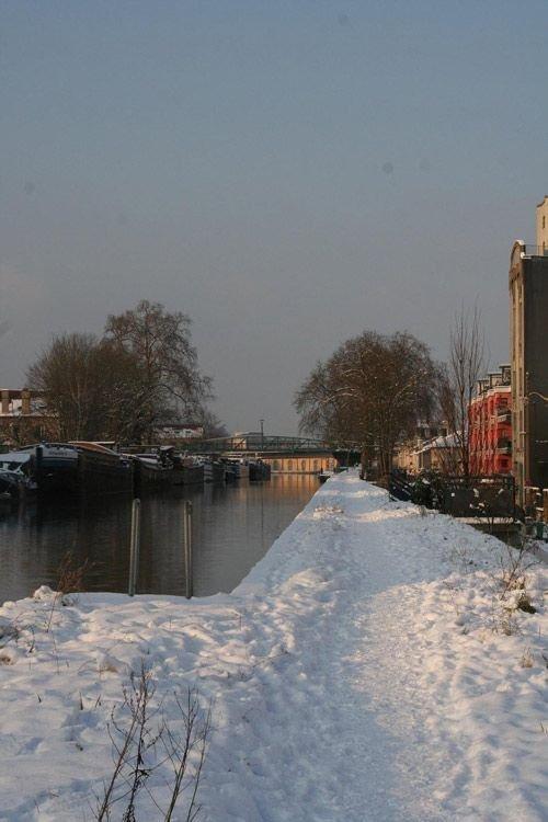 Ville de Nancy sous la neige - Bord du canal