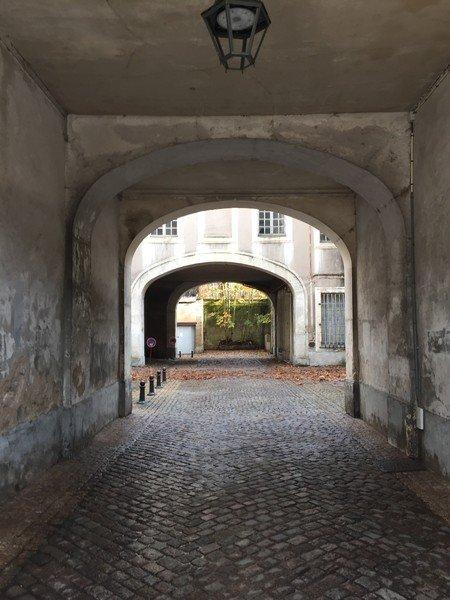 Ville de Nancy - Accès à la rue des écuries