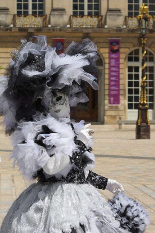 Ville de Nancy - Masque vénitien pendant la Lorraine est formidable