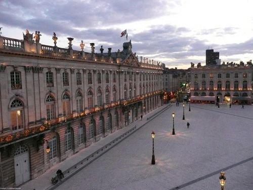 Ville de Nancy Place Stanislas depuis le Grand Hôtel