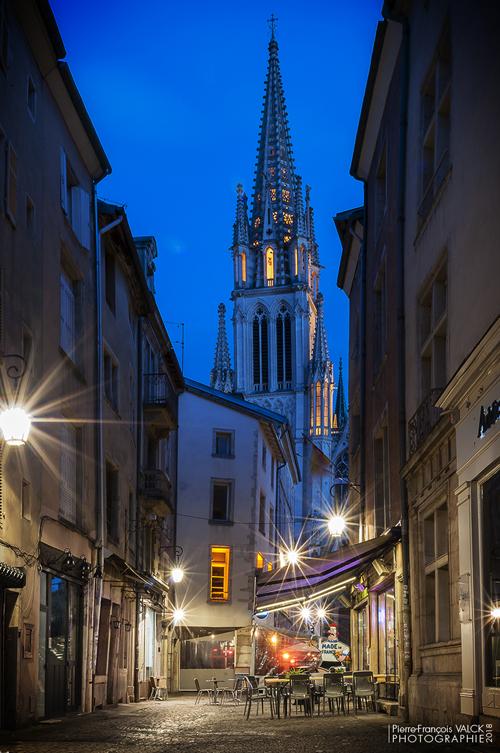 Ville de Nancy - Basilique Saint-Epvre depuis la rue Saint-Epvre