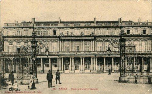 Ville de Nancy - Carte postale de la place Carrière