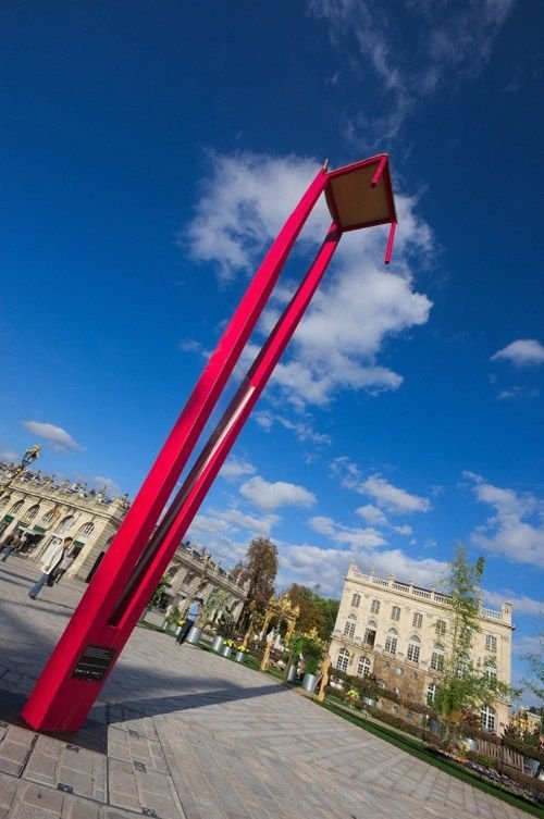 Ville de Nancy - Chaise Jean Prouvé pendant les jardins éphémères 2012