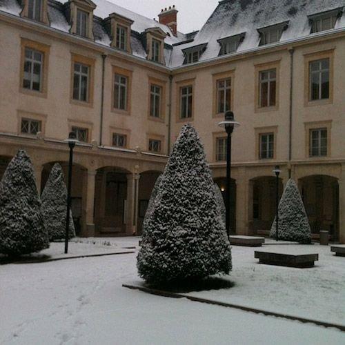 Ville de Nancy sous la neige - Fac de droit