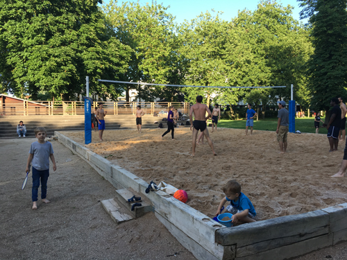 Ville de Nancy - Terrain de beach volley le soir
