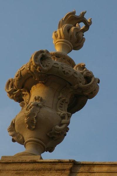 Ville de Nancy - Place Stanislas pavillon bas côté de l'Amphitrite