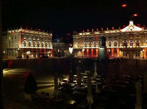 Ville de Nancy - Place Stan de nuit depuis l'Arq
