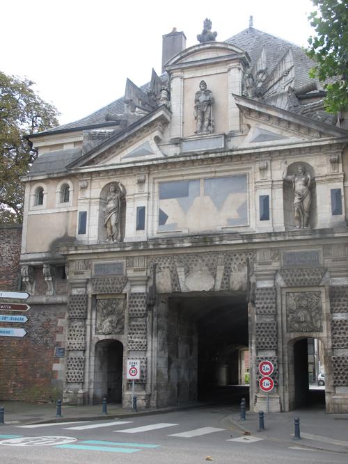 Ville de Nancy - Porte de Citadelle depuis le carrefour